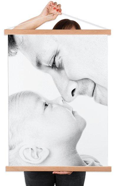 Poster textile avec un père et un bébé